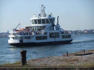 suomenlinna laiva.jpg